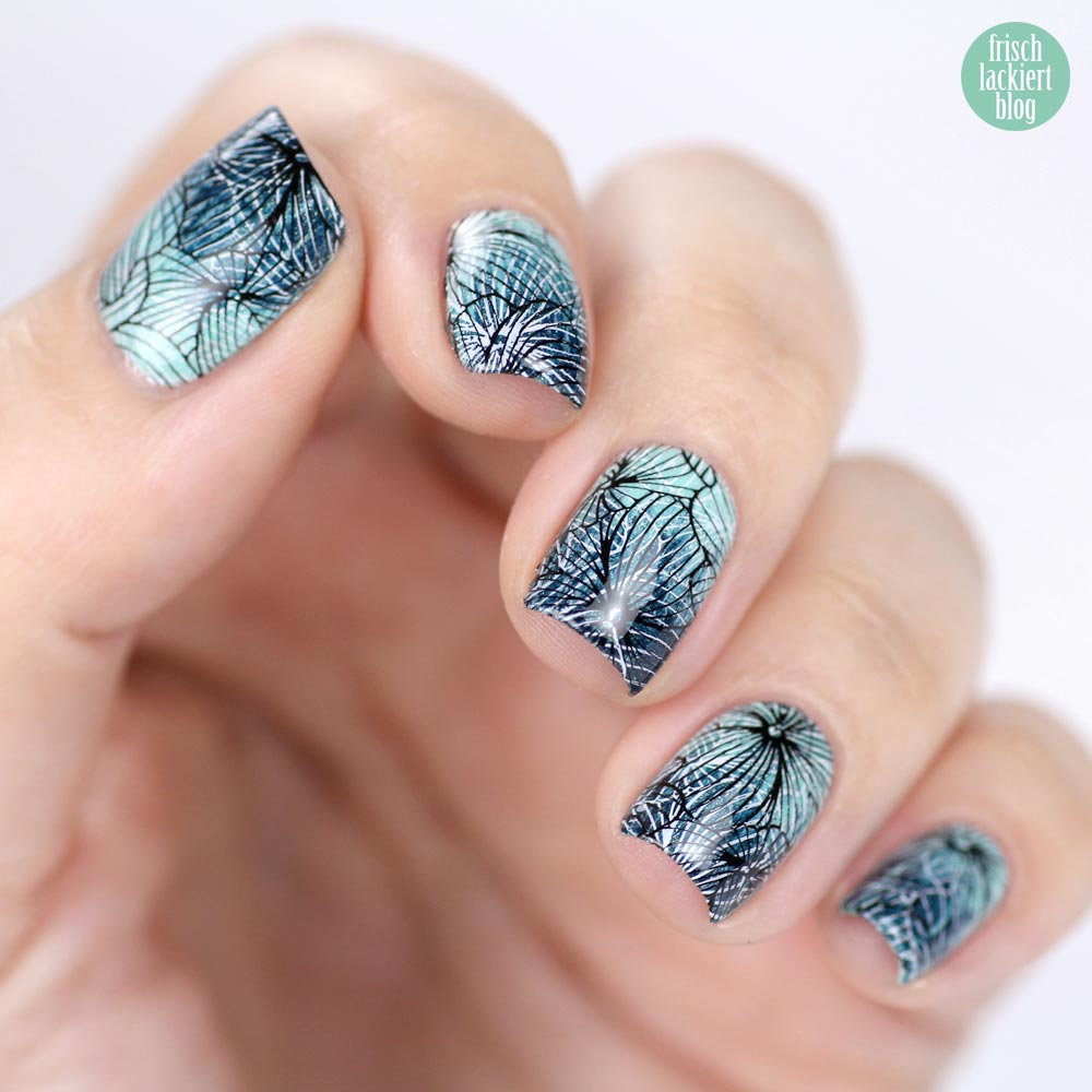 Double Stamping Nailart Mint Black White with gradient – by frischlackiert
