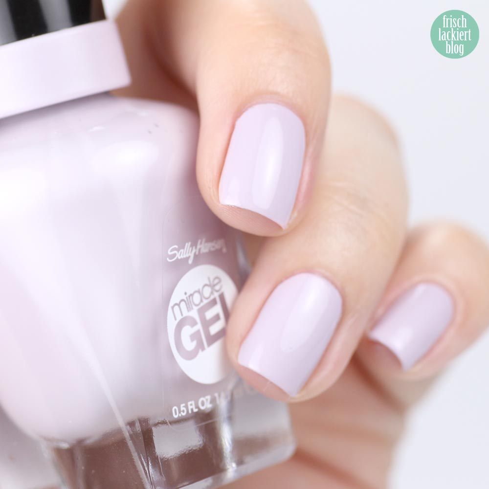 Sally Hansen Miracle Gel – All Chalked Up – light purple – swtach by frischlackiert