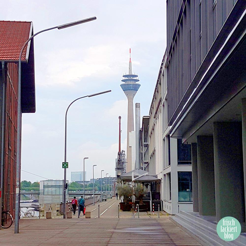 Die erste Stickerparty von Sticker Gigant in Düsseldorf – 2017 – Erlebnisbericht – frischlackiert.de Nagellack Blog