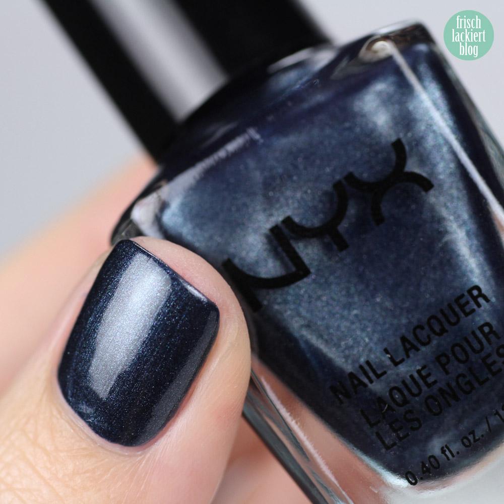 NYX Nailpolish Navy Stars – Dunkelblauer Nagellack mit Schimmer in glänzend und matt – swatch by frischlackiert