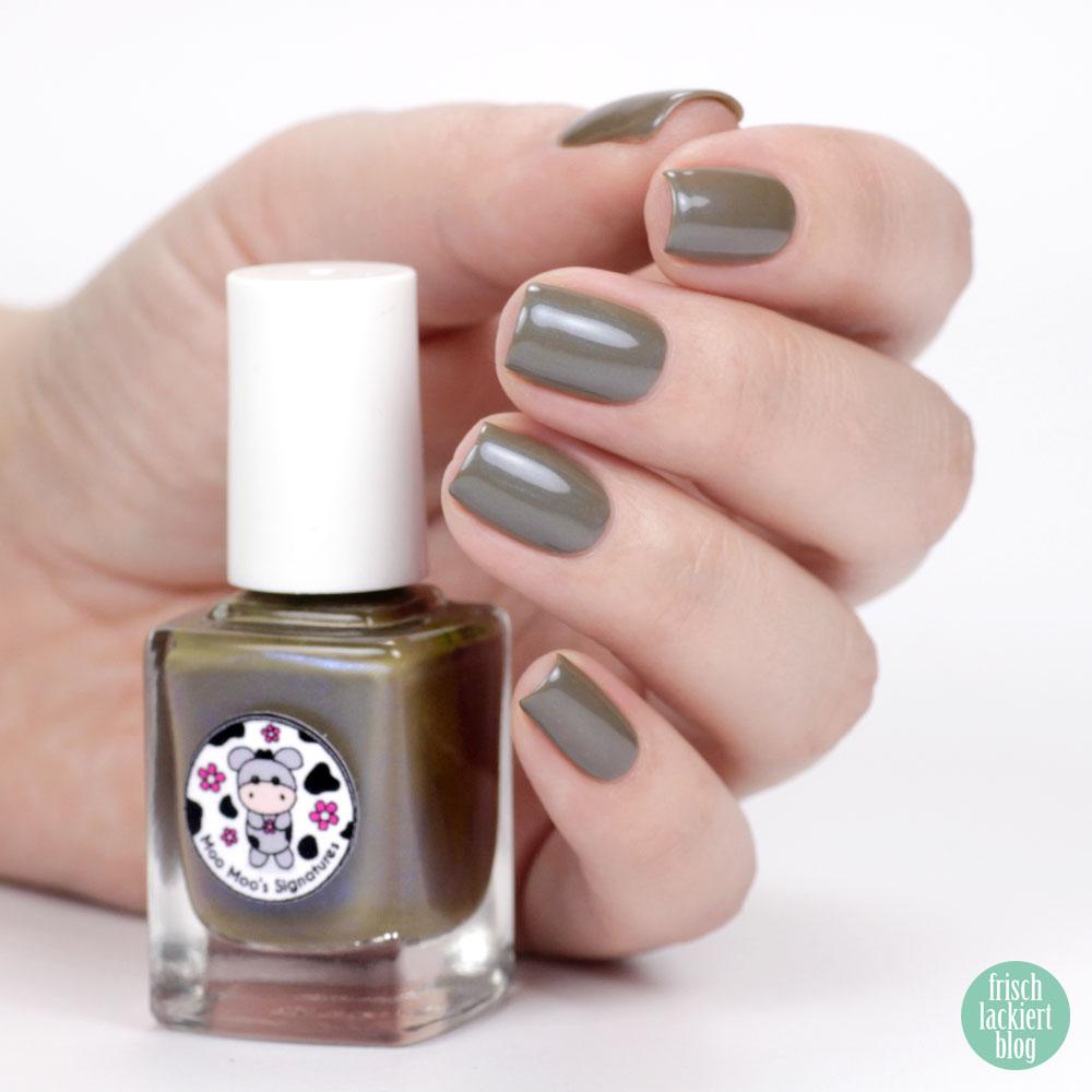 Moo Moo´s Signatures – Tuatara – Shimmer Paradise Collection – green brown blue nailpolish – by frischlackiert