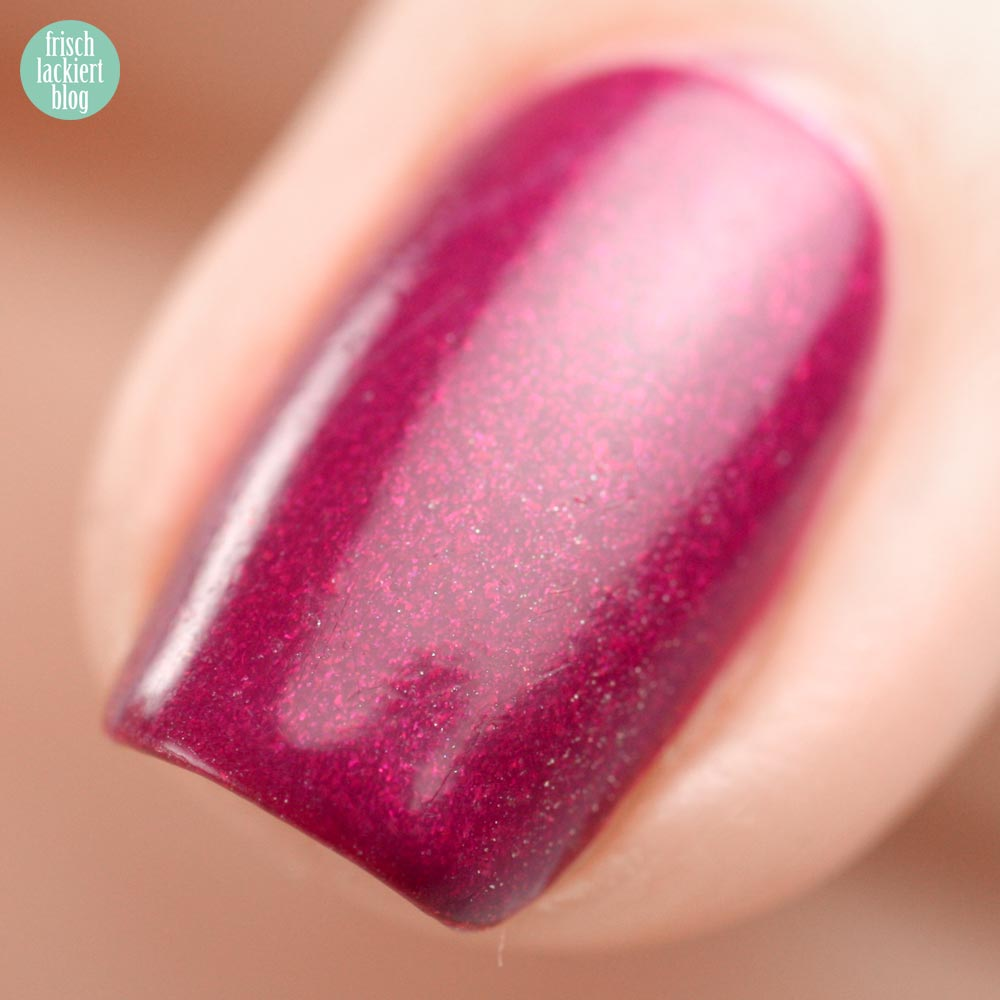 Models Own Diamond Luxe Oval Plum – swatch by frischlackiert