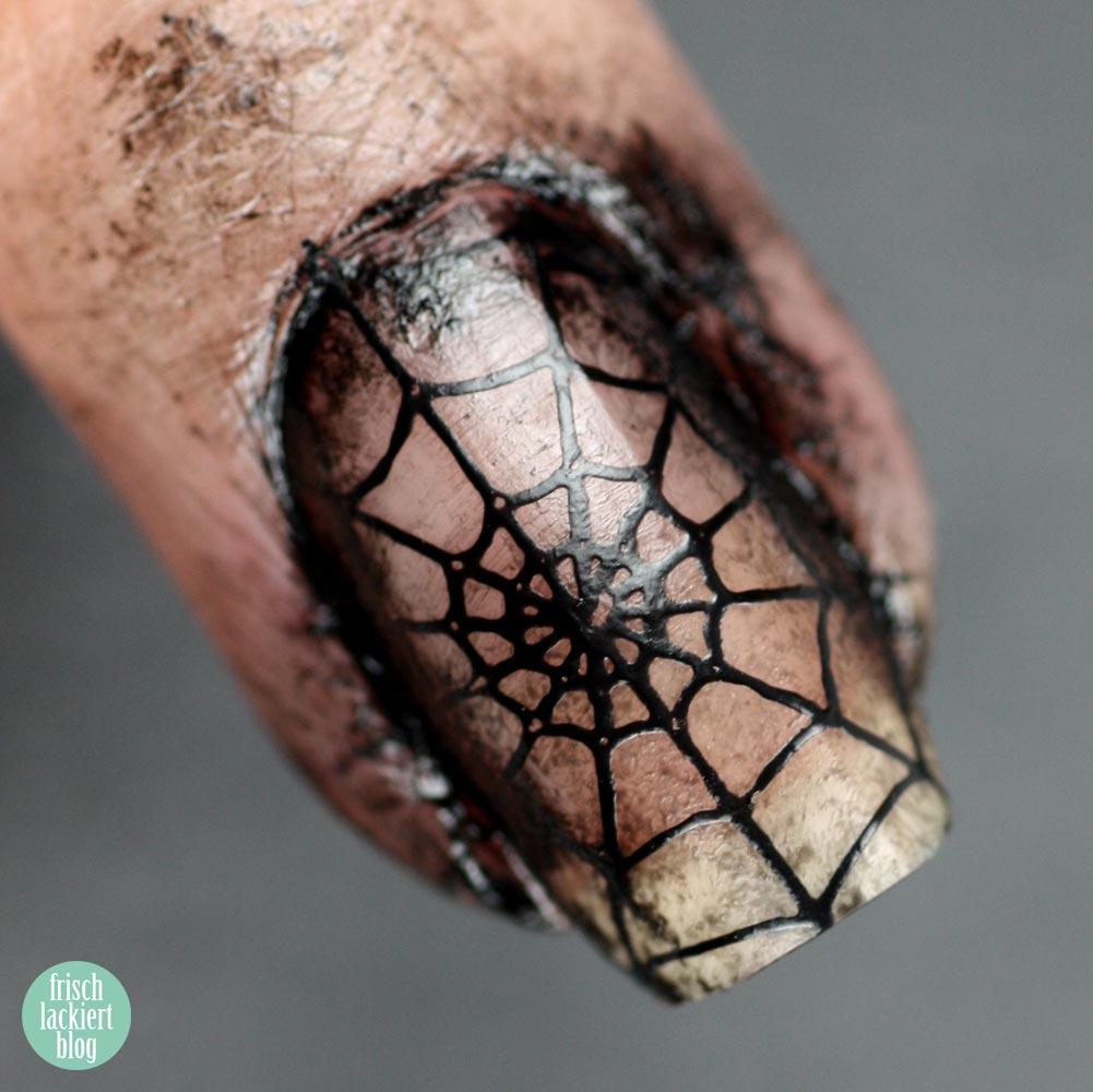 Frischlackiert-Challenge – Halloween Nailart Zombie Spider – by frischlackiert