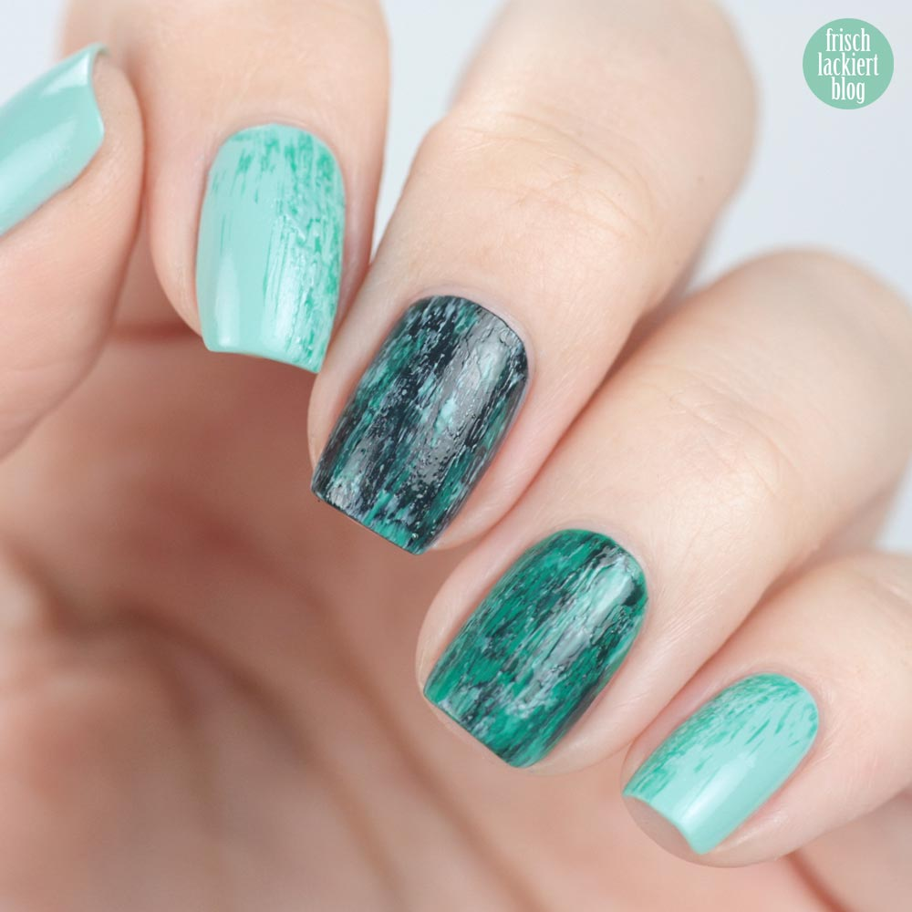 Dry Brush Stamping Nailart with Essie – Mint Cnady Apple, ruffles and feathers, mind your mittens – by frischlackiert