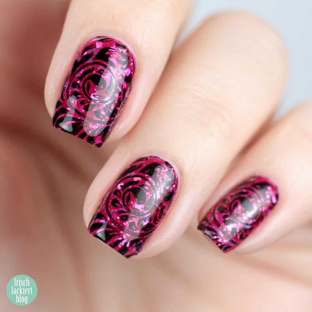 Nailsreloaded Challenge – Glitter Sandwich mit Stamping – nailart by frischlackiert