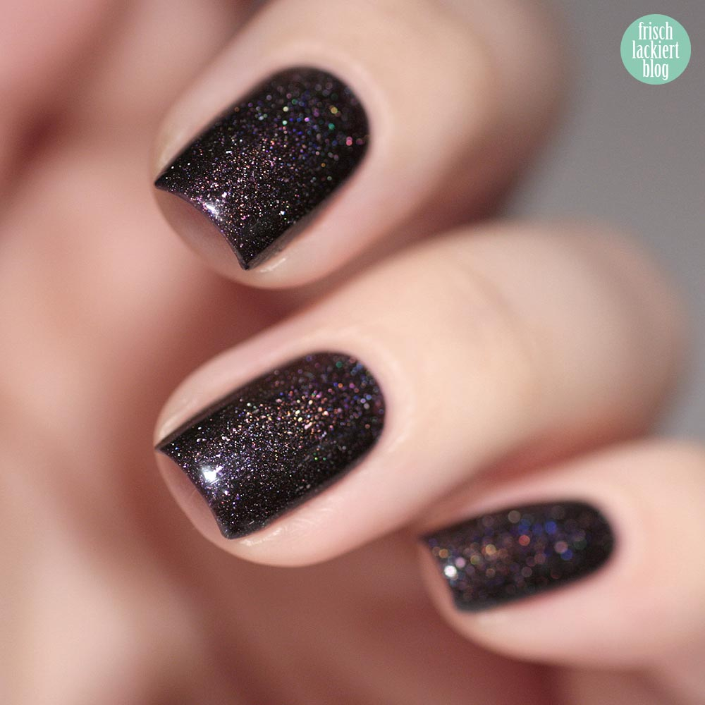 Masura Feast of Life – smoky violet holographic flakie nailpolish – swatch by frischlackiert