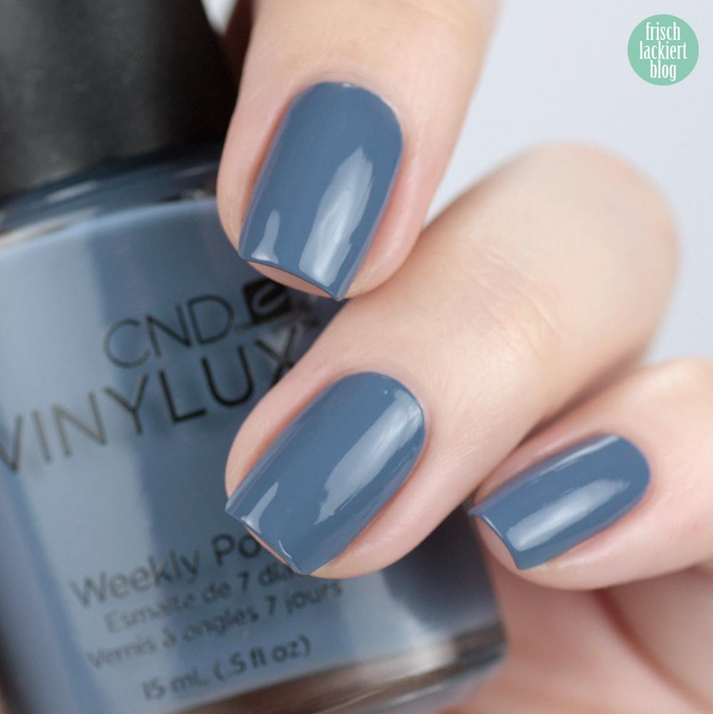 CND VINYLUX Denim Patch – swatch by frischlackiert