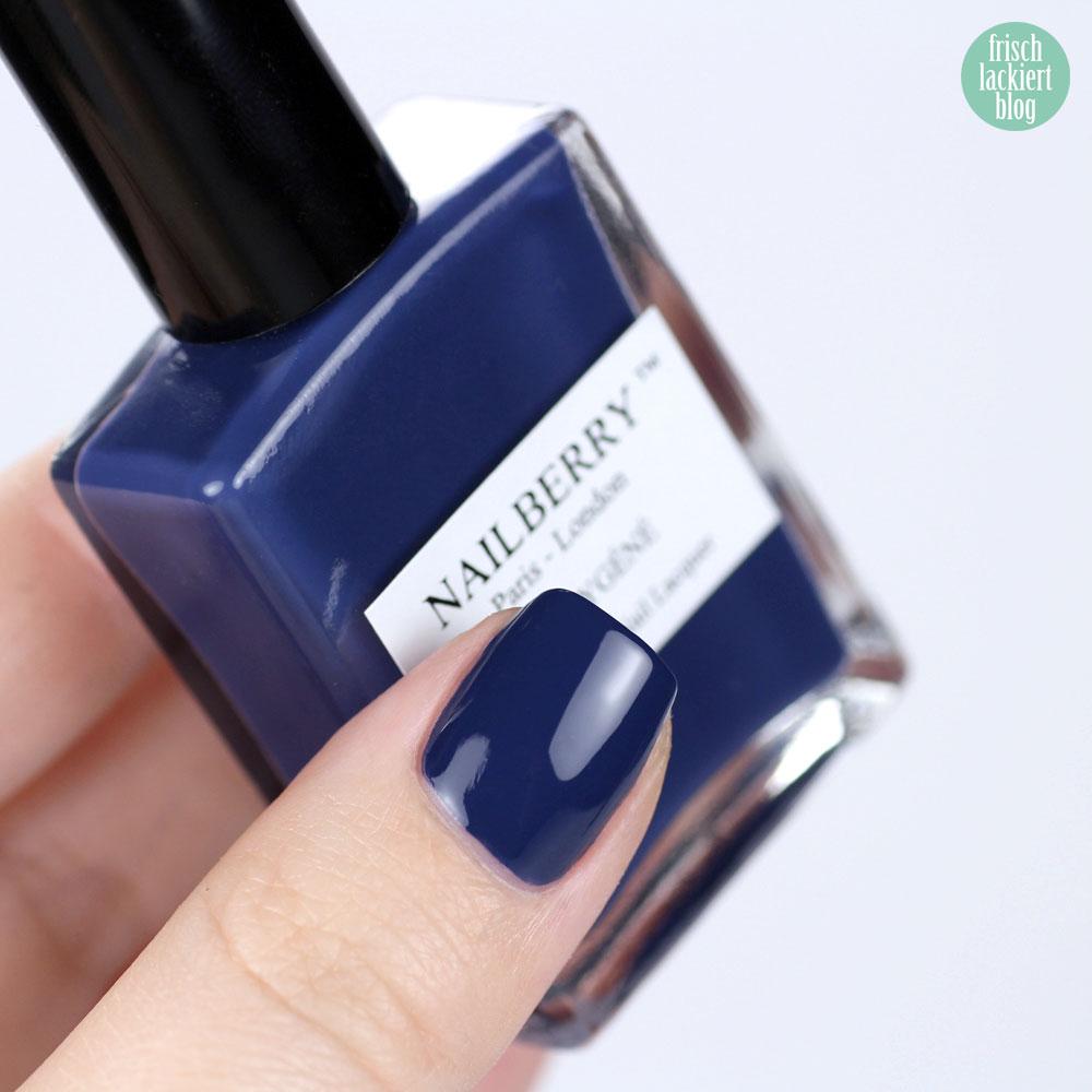 Nailberry Nailpolish – Number 69 – dark blue - purish online shop – swatch by frischlackiert