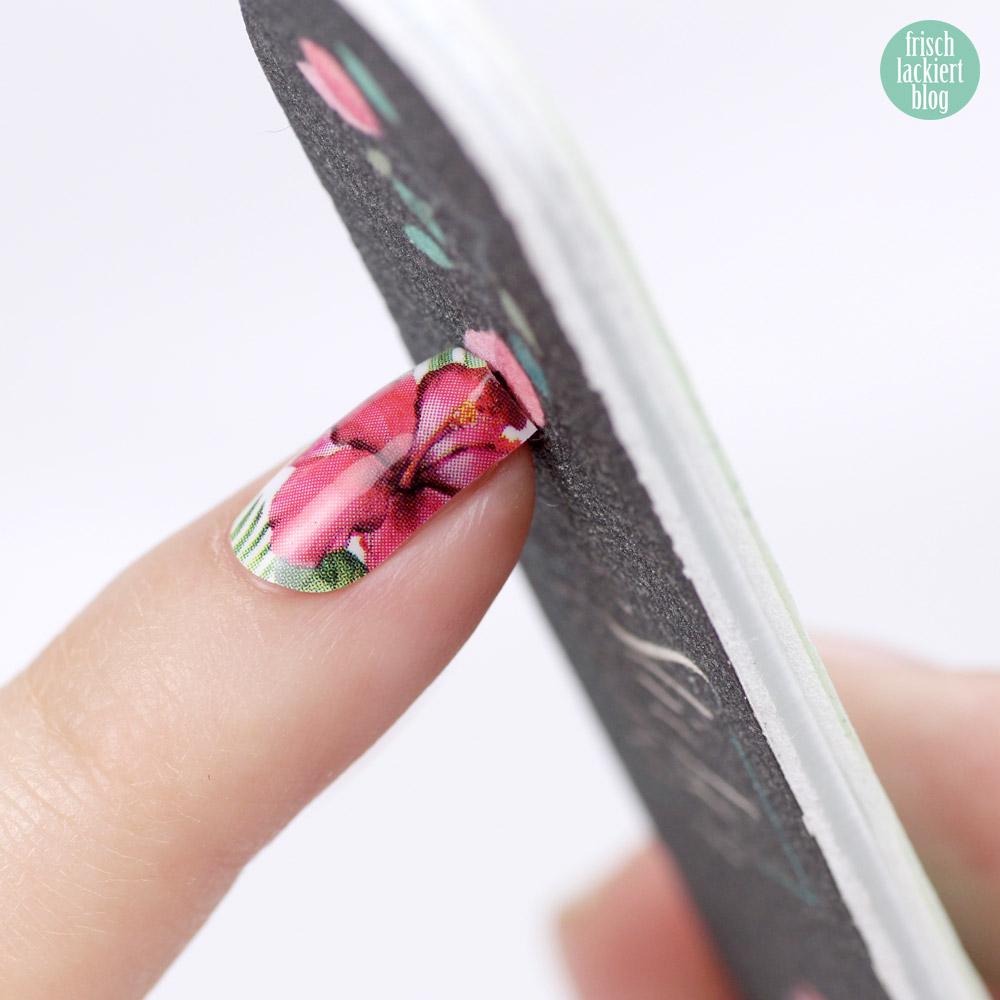 Sticker Gigant Nagelsticker – Dschungelhibiskus – Sommerkollektion 2017 – Anleitung zum Aufkleben von Nagelstickern / Nailwraps – by frischlackiert