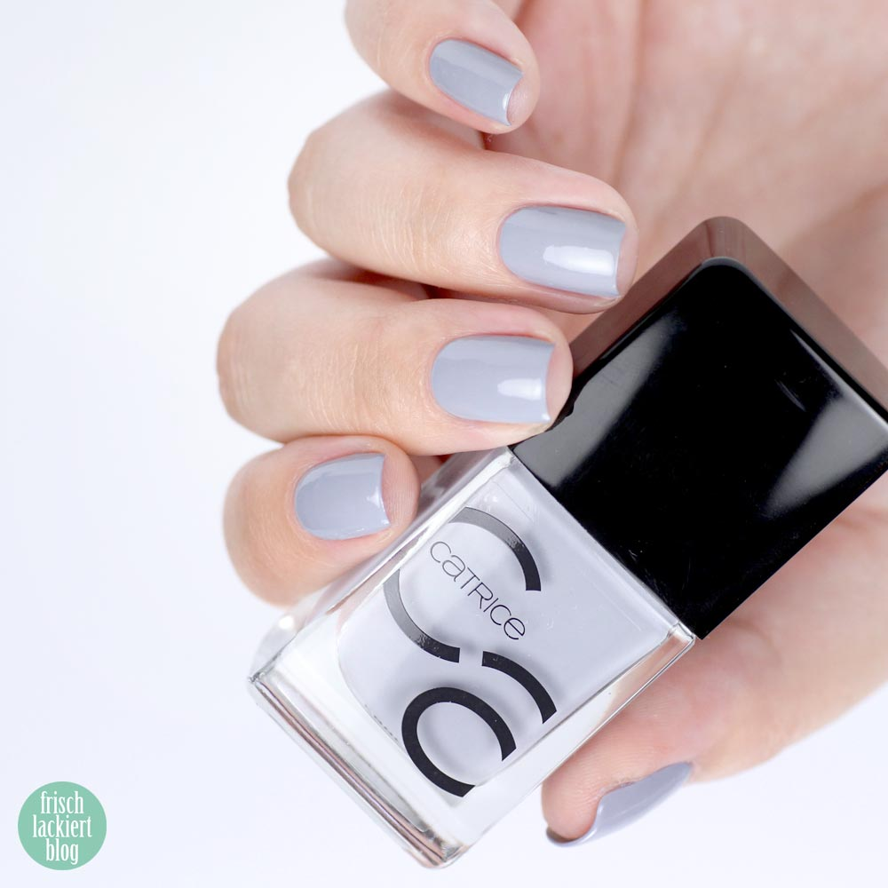 Catrice IcoNAILs Cloud Nine – grauer Nagellack – swatch by frischlackiert