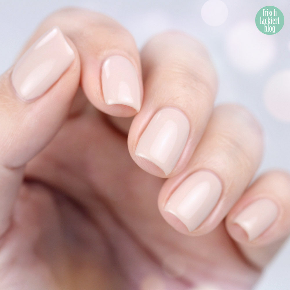 Gepflegte Nägel mit UV-Nagellack für zu Hause – das NeoNail Starter Set Premuim im Test – by frischlackiert