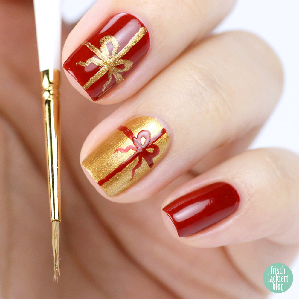 Geschenk Nailart mit Juliana Nails in Rot und Gold – Weihnachten – festlich – by frischlackiert