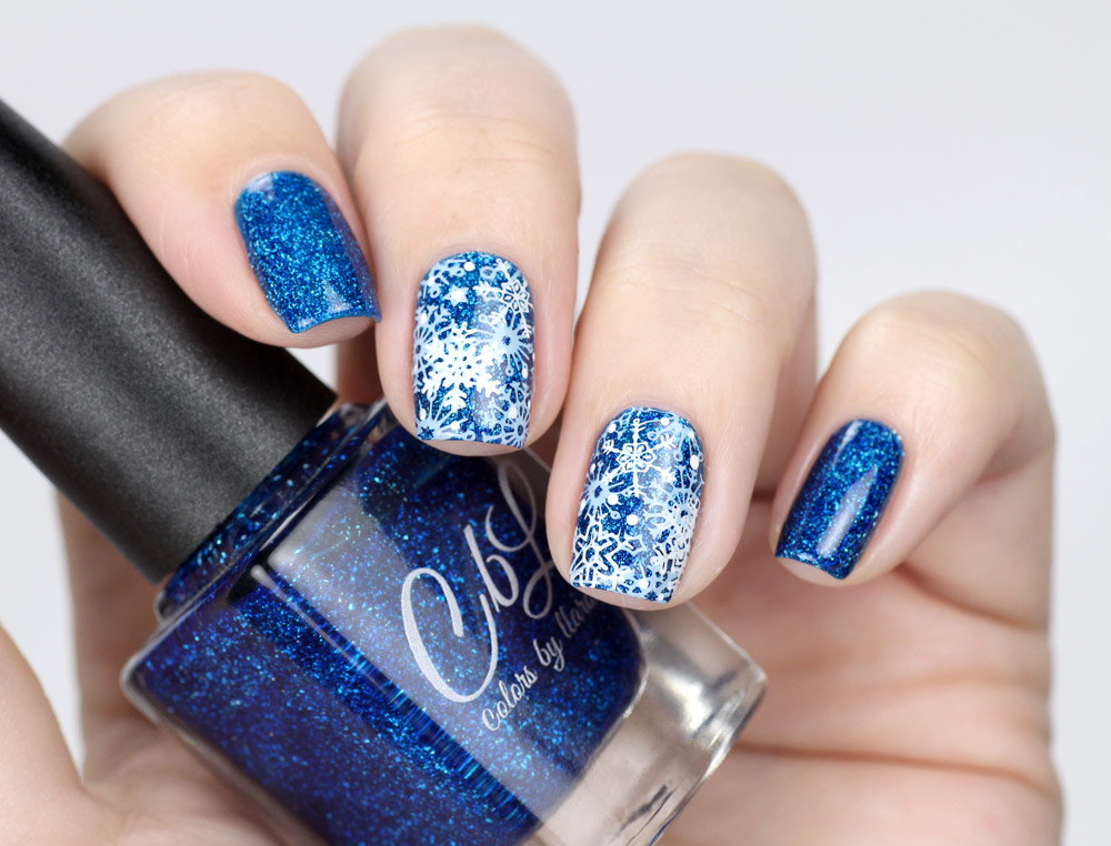 Colors by Llarowe – Healing Waters – Schnee Stamping Nailart – swatch by frischlackiert