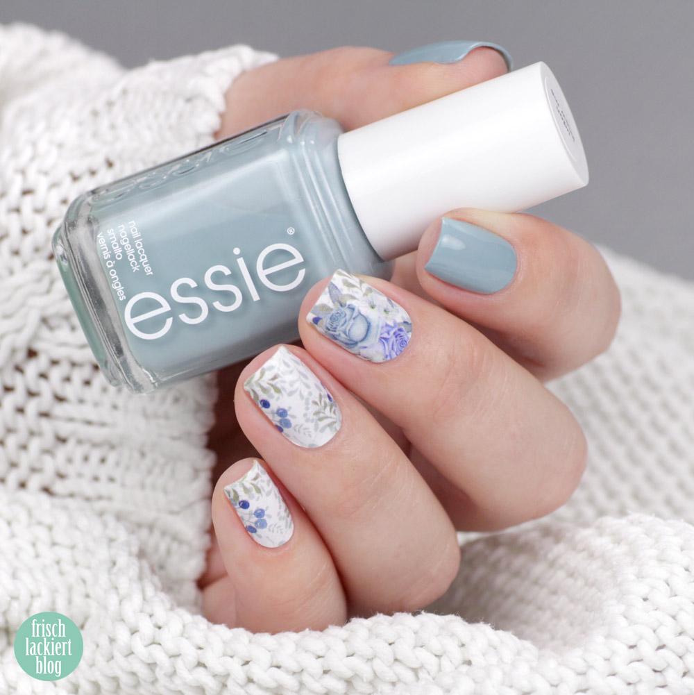 Sticker Gigant Nagelsticker / Nailwraps Rosali Frost & Essie Udon Know Me – Blaues Winter Nailart mit Rosen und Beeren – swatch by frischlackiert