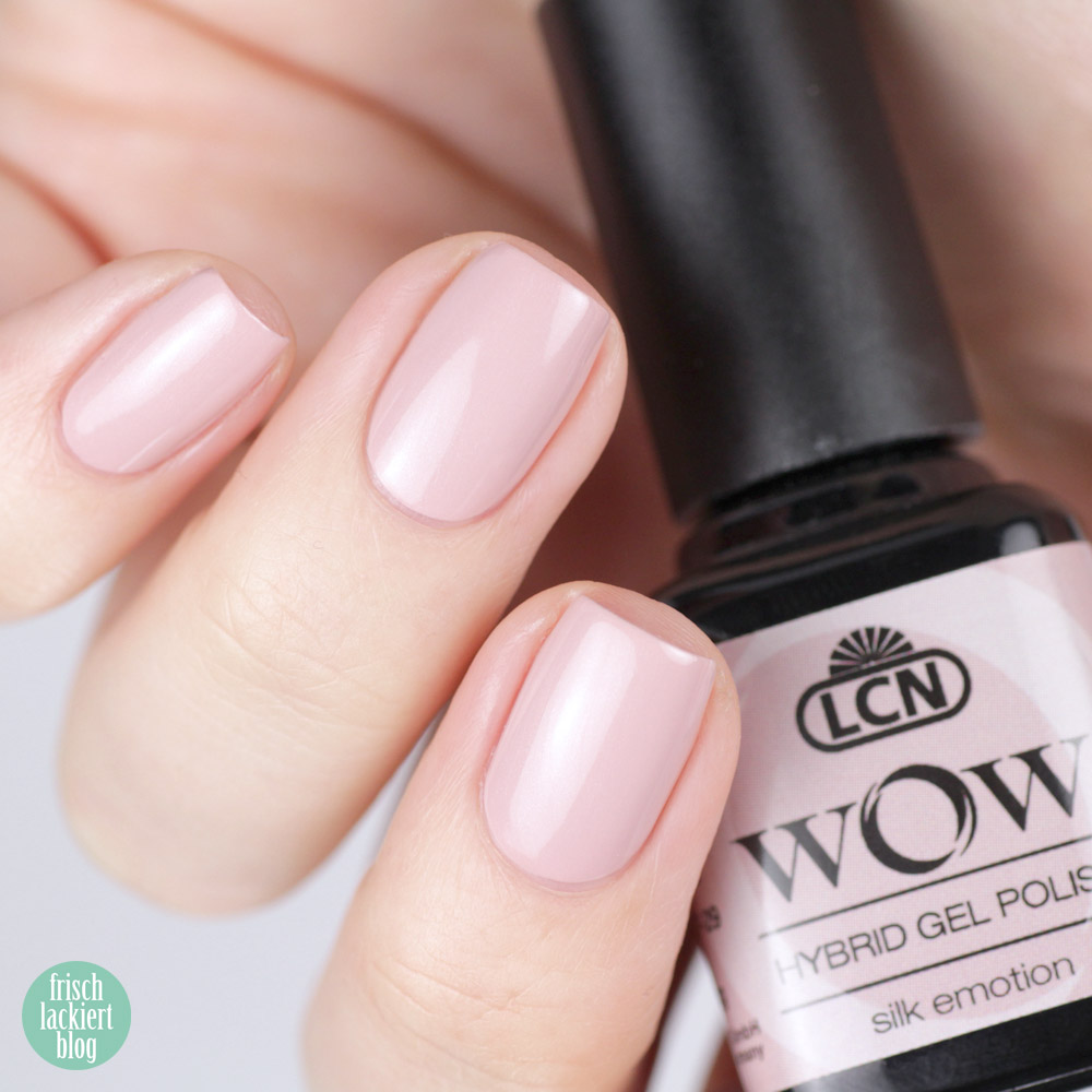 LCN WOW Hybrid Gel Polish – Nude Nagellack mit Schimmer – silk emotion – swatch by frischlackiert