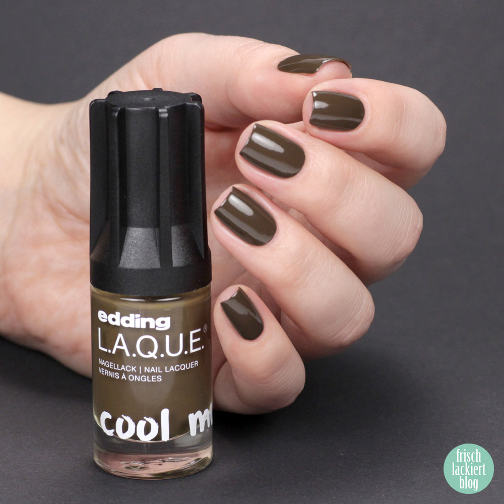 Edding L.A.Q.U.E. – Powerfrauen Kollektion 2018 - mellow moss - green brown nailpolish - swatch by frischlackiert