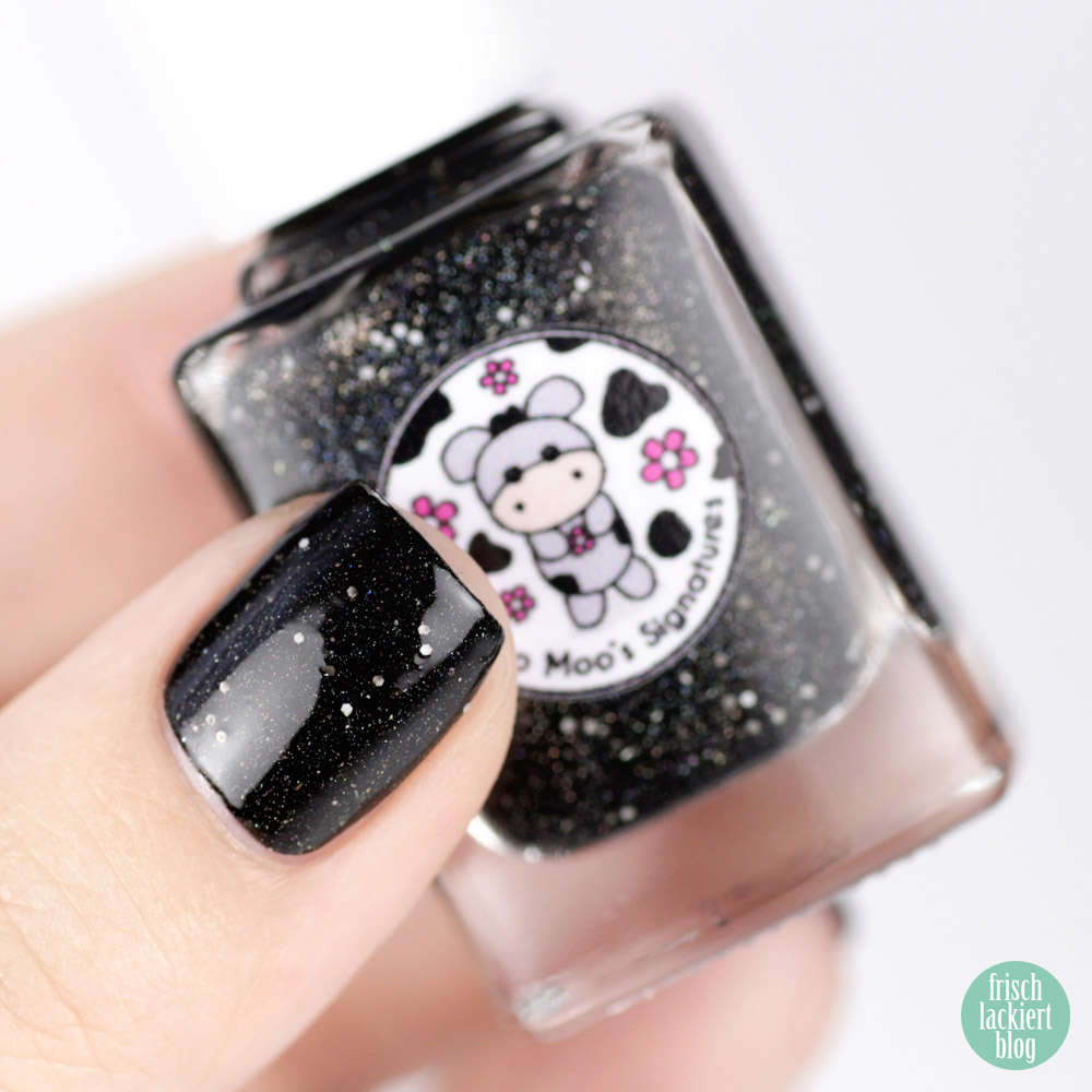 Moo Moo´s Signatures – Moototype Trio 2018 – Black Lily – Black Holo Nailpolish – swatch by frischlackiert