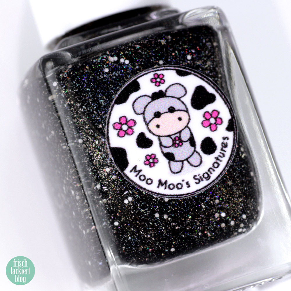 Moo Moo´s Signatures – Moototype Trio 2018 – Black Lily – Black Holo Nailpolish – swatch by frischlackiert