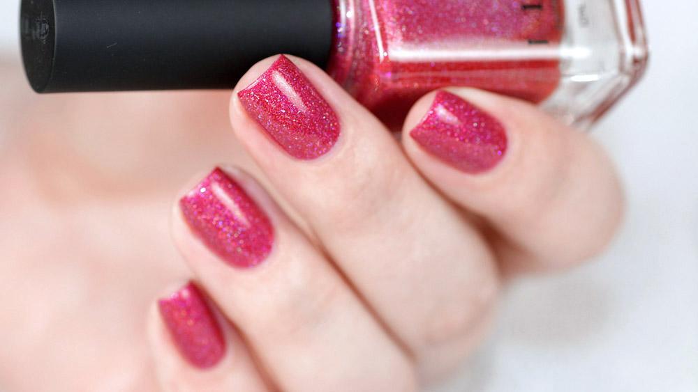 I love nailpolish ILNP – Closure – Holographic – pinker Nagellack mit Glitzer – swatch by frischlackiert