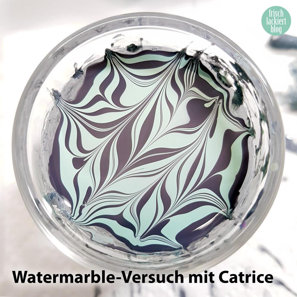 Watermarble Nailart mit Essie – Catrice Iconails – Grau und Grün – by frischlackiert