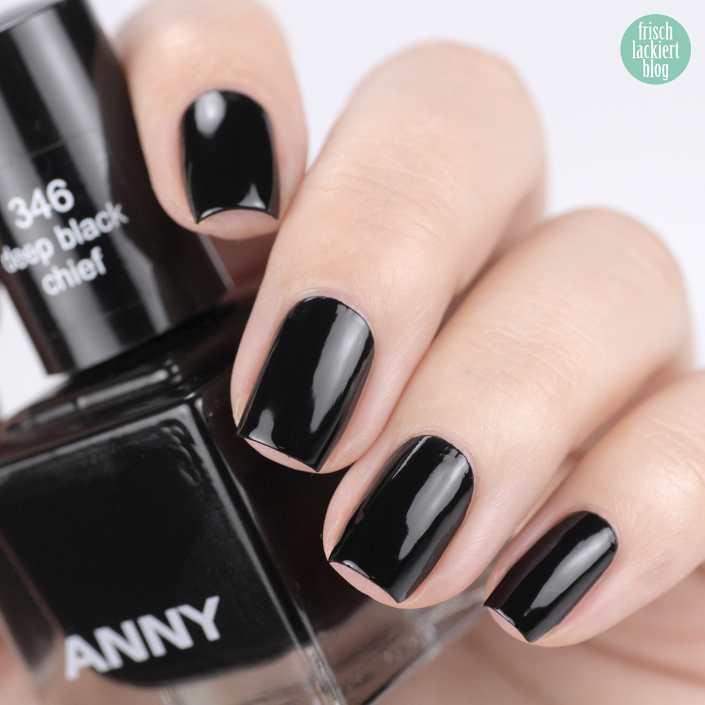 ANNY deep black chief – black nailpolish – swatch by frischlackiert