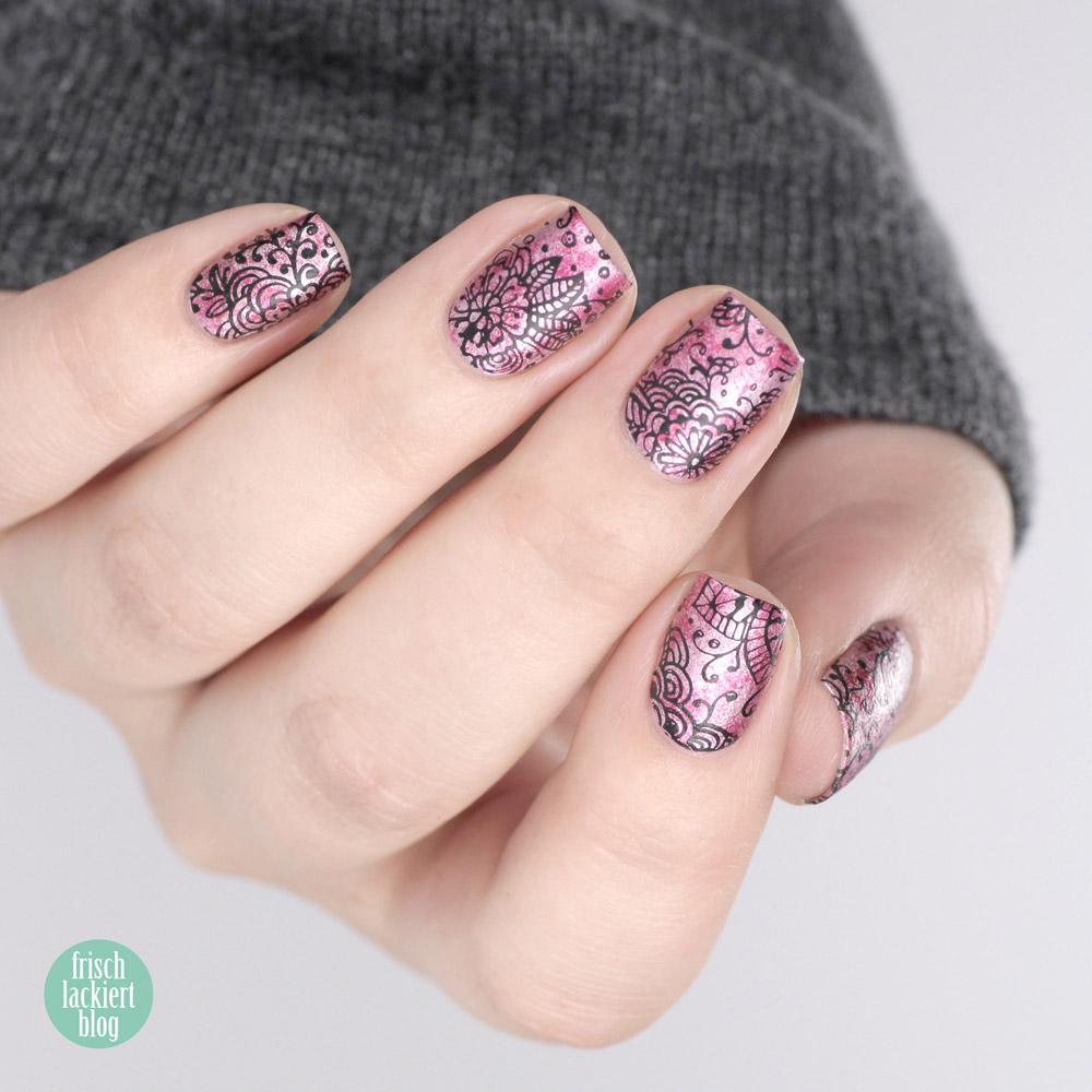 MoYou Stamping Nailart mit Rosa Metallic und Blumen für den Frühling – by frischlackiert