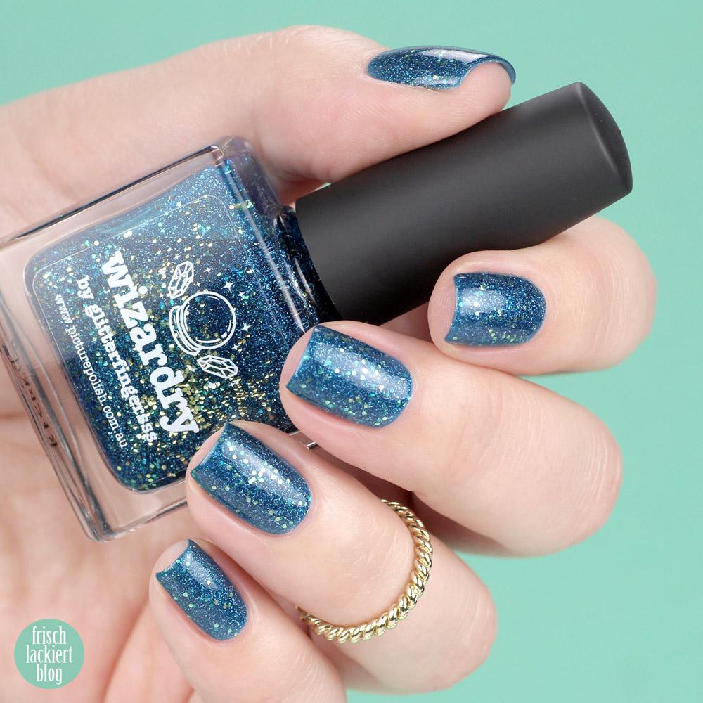 Picture Polish Wizardry – Nagellack in Blau mit goldenem Glitzer und Schimmer – swatch by frischlackiert