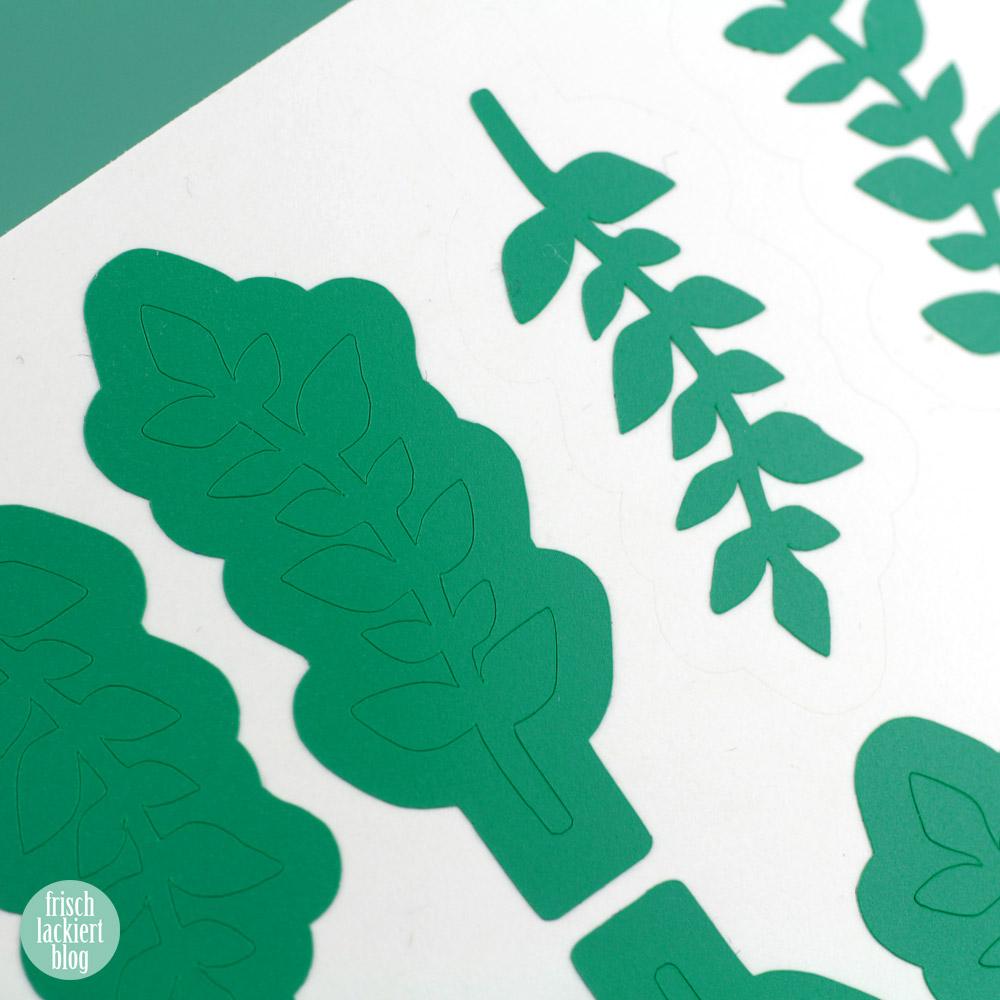 Frischlackiert-Challenge Glänzend und Matt in Grün - Nailart mit Blätter Vinyls – by frischlackiert