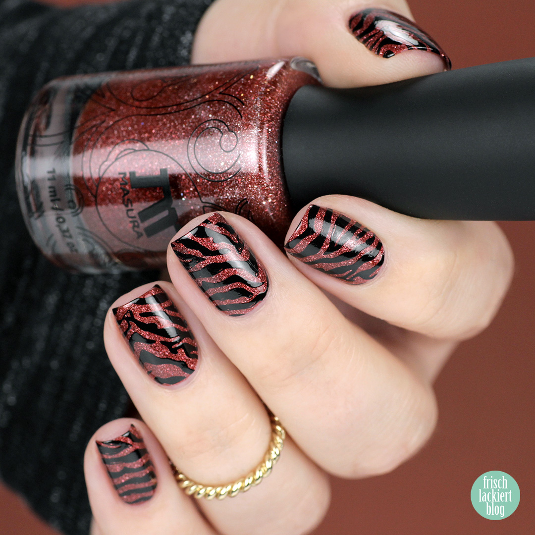 masura bewitched by her spell - zebra nailart – swatch by frischlackiert