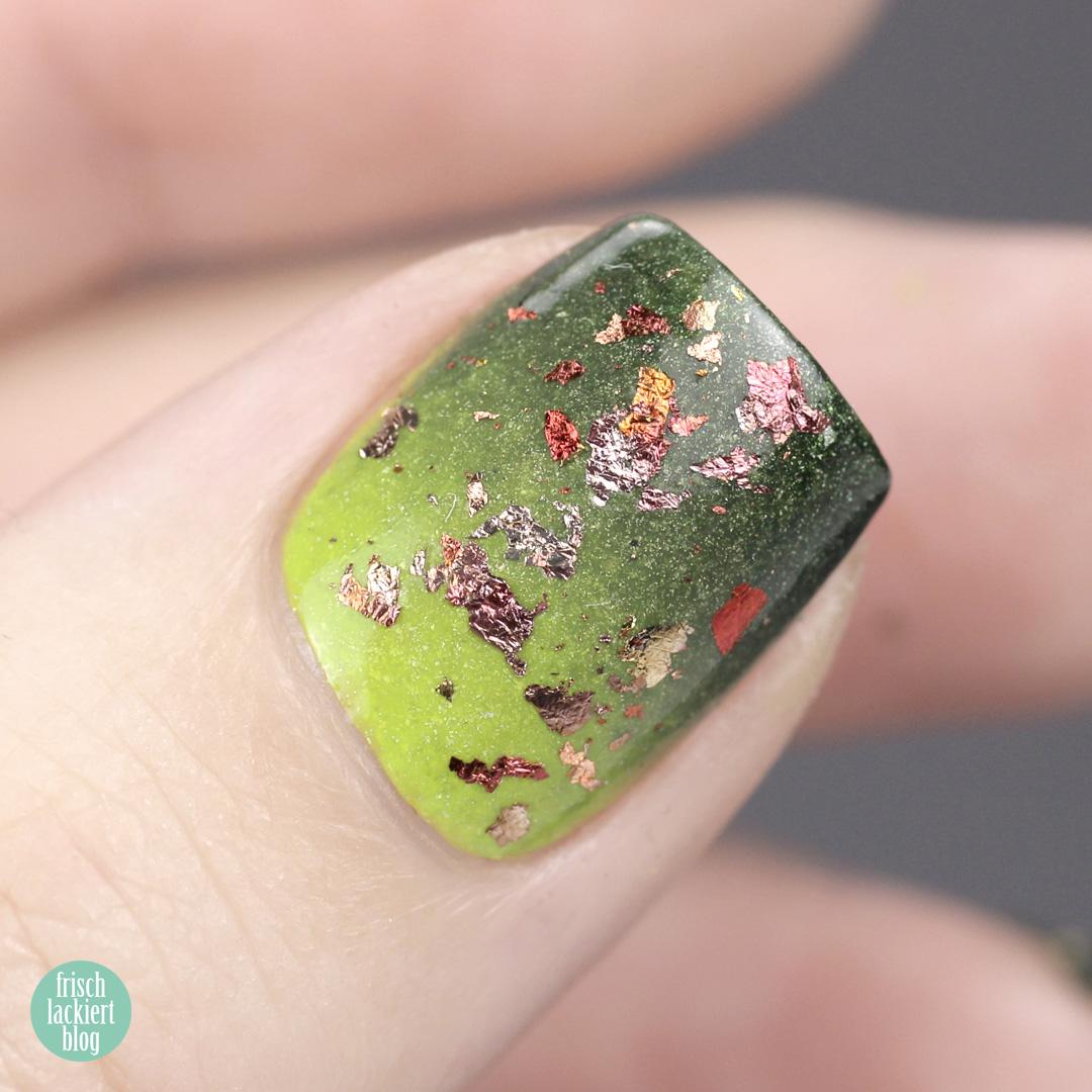 Masura golden evergreen Winter Nailart – by frischlackiert