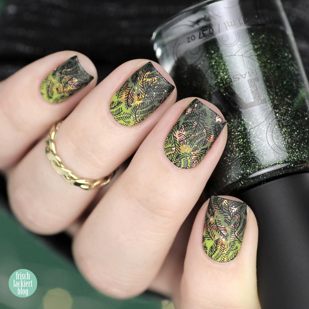 Masura golden evergreen gradient Winter Nailart – by frischlackiert