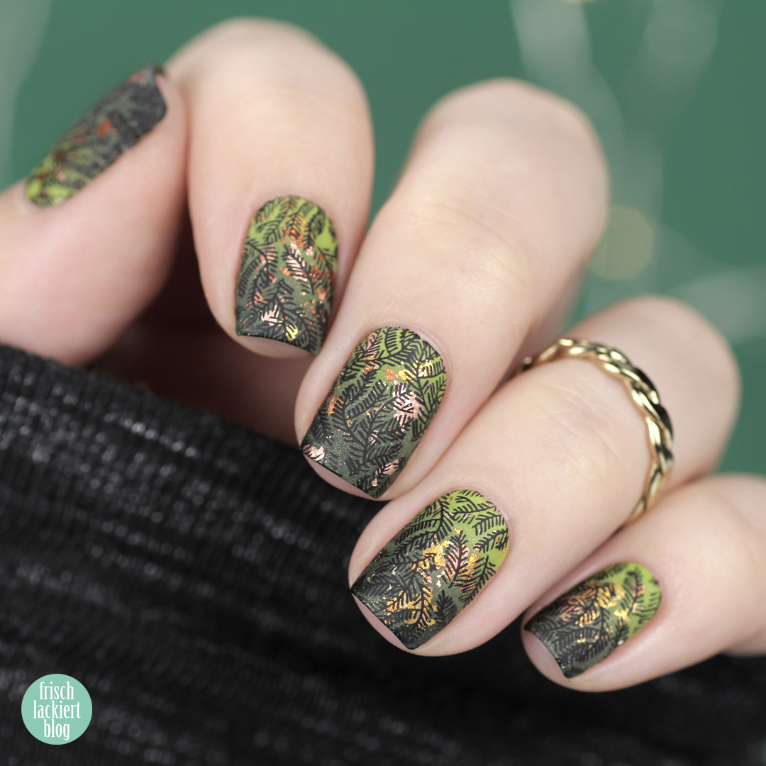 Masura golden evergreen gradient Winter Nailart – by frischlackiert