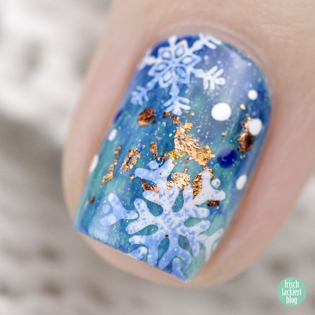 Snowflake Nailart mit Masura – by frischlackiert
