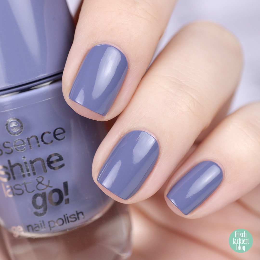 essence genie in a bottle nailpolish swatch - spring blue - by frischlackiert