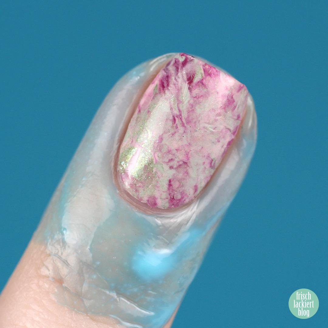 Nailart Challenge – Spring Nailart Flower Stamper Marble Nails - by frischlackiert