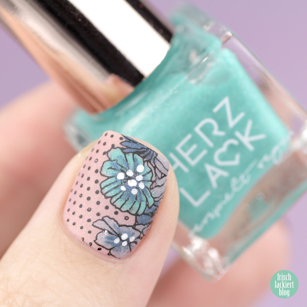 Nailsreloaded Challenge – Reverse Stamping Nail Art spring and flowers – by frischlackiert