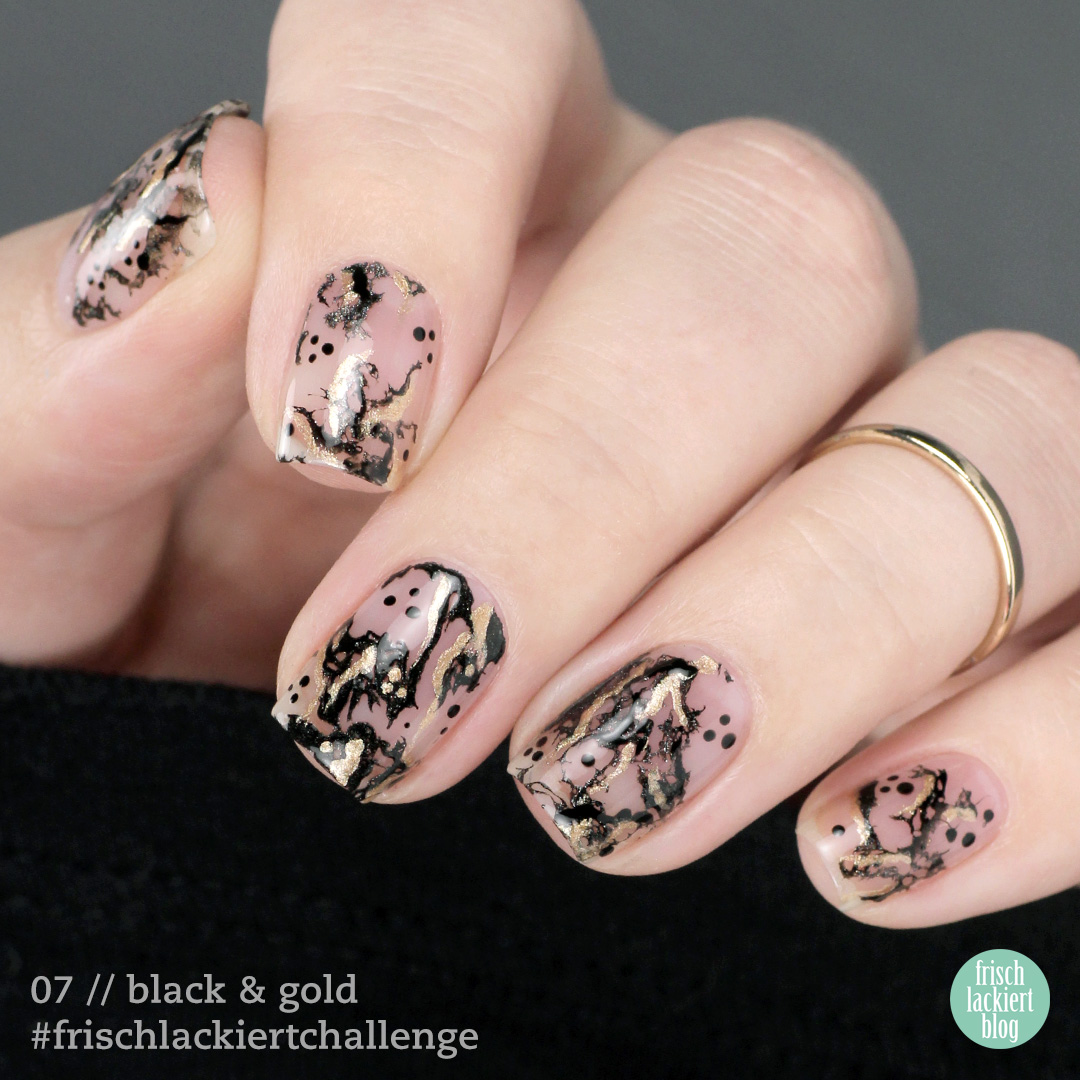 Frischlackiert-Challenge Black & Gold Negative Space Cutout Marble Nailart - by frischlackiert