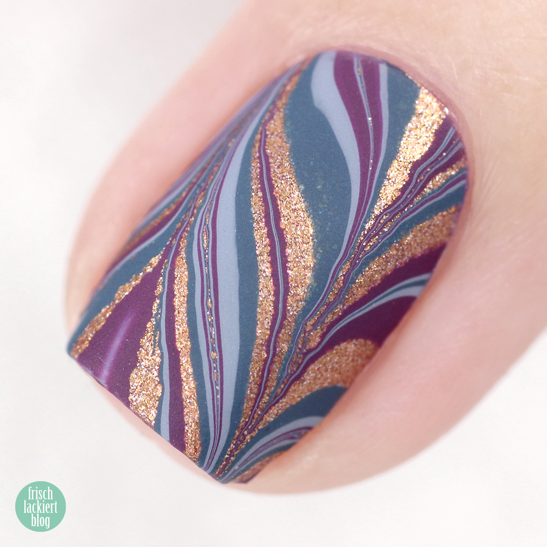 Zoya Luscious Collection – Watermarble Nailart – by frischlackiert
