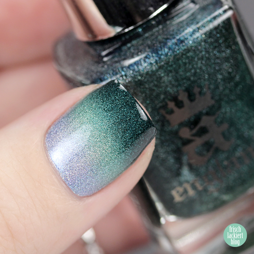Green Grey Gradient Nails – A-England Holo – by frischlackiert