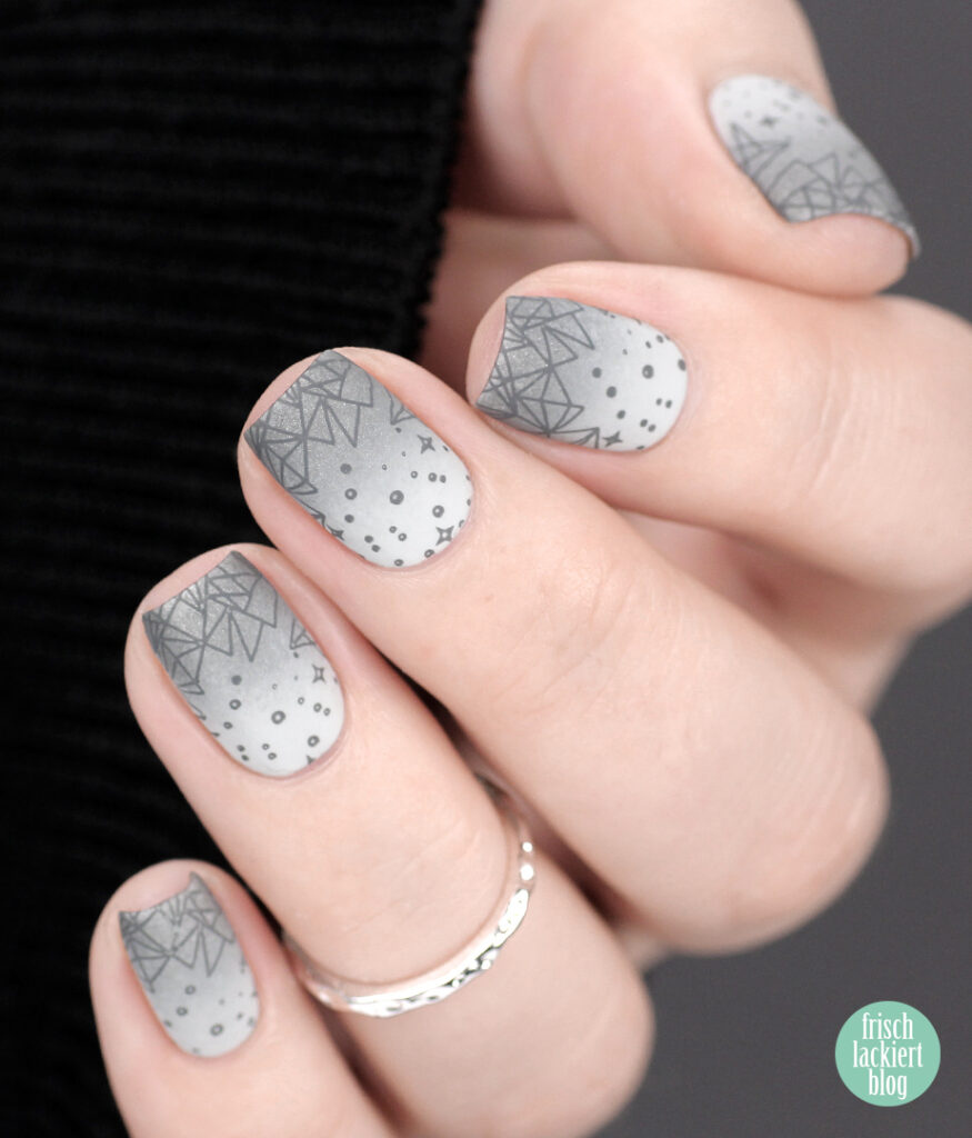 YpsLackiertChallenge – All the Greys – grey gradient winter nail art – by frischlackiert