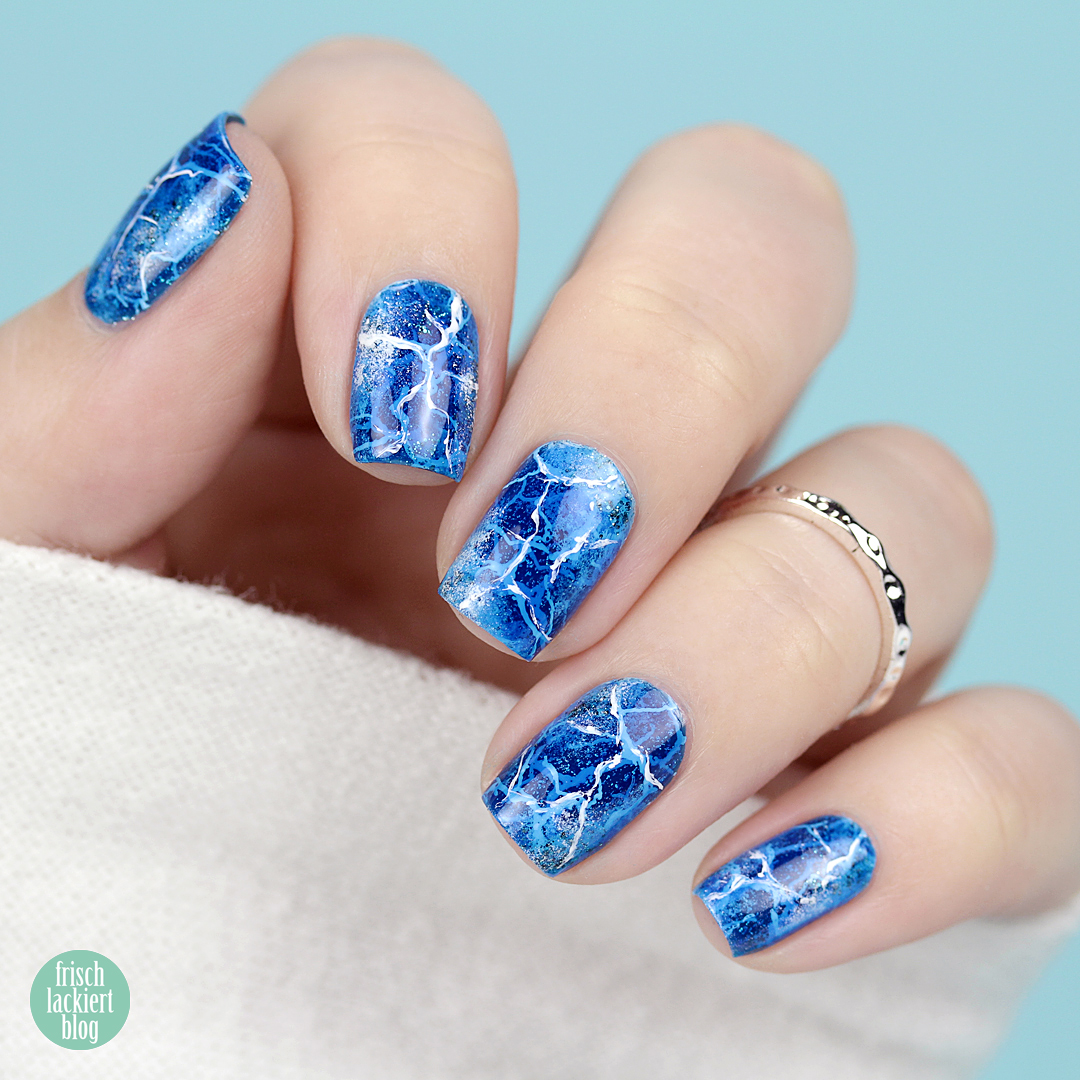 YpsLackiertChallenge – Eiszeit – blue broken ice nail art – by frischlackiert