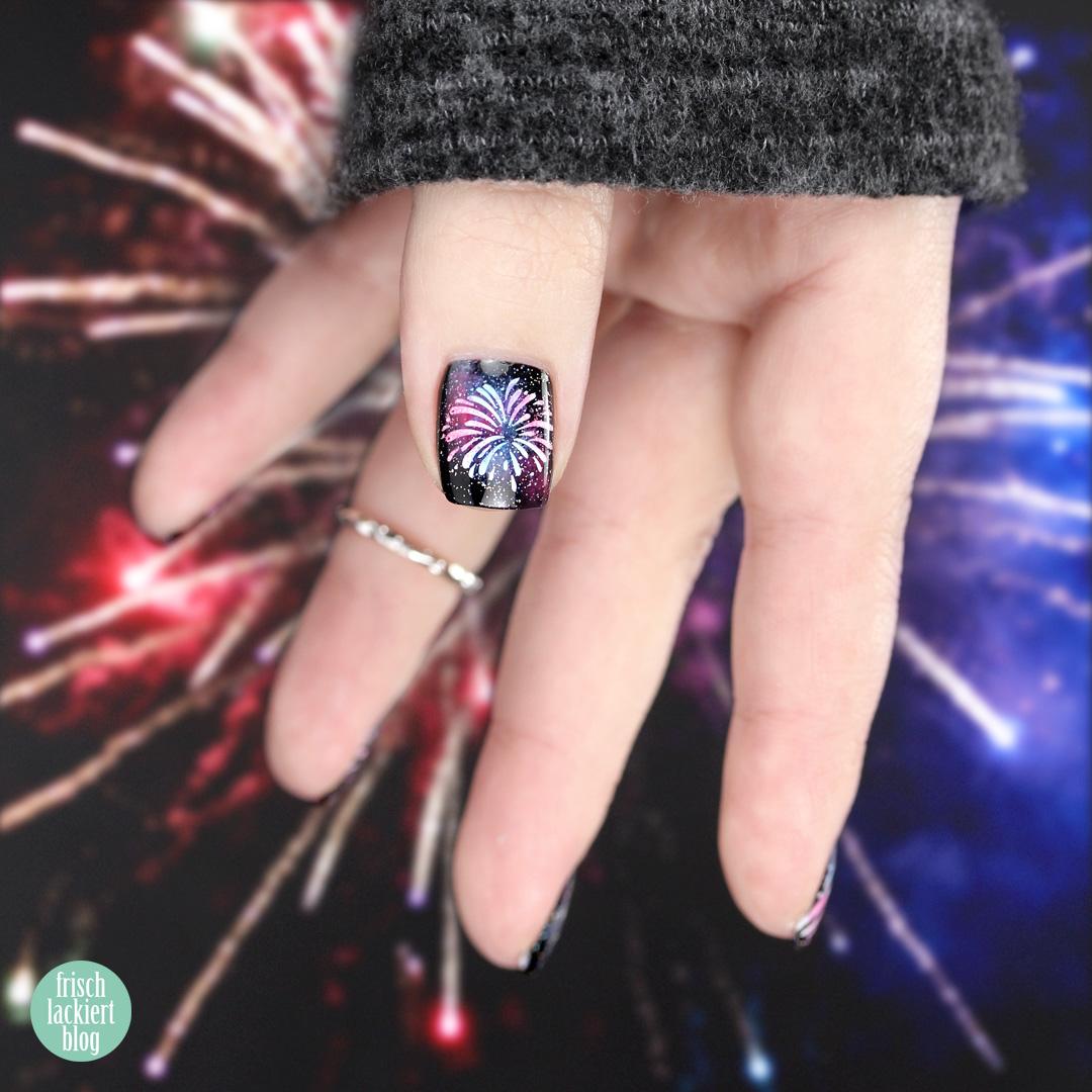 Silvester Feuerwerk Nailart mit Stamping – by frischlackiert