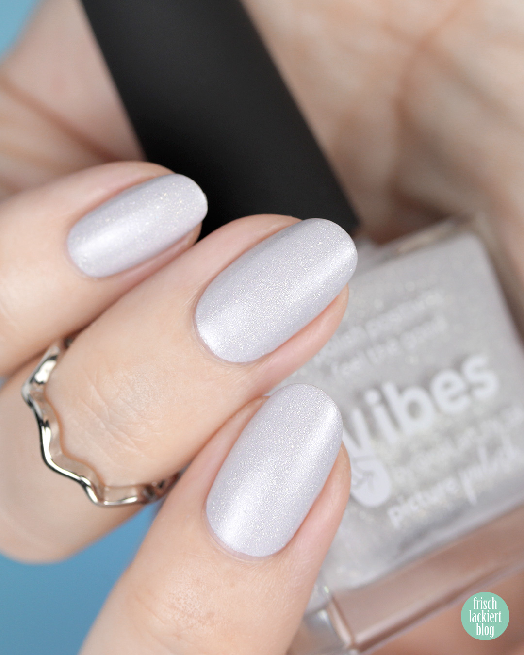 Picture Polish Vibes – Nail Polish Swatch by frischlackiert